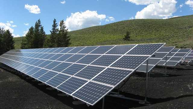Efficient Use of Solar Chargers with the Help of Ambient Light Sensors on Smartphones